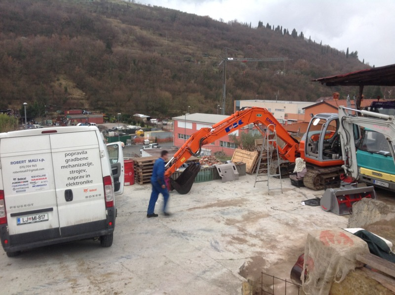 Popravilo in servis gradbene mehanizacije Robert Mali